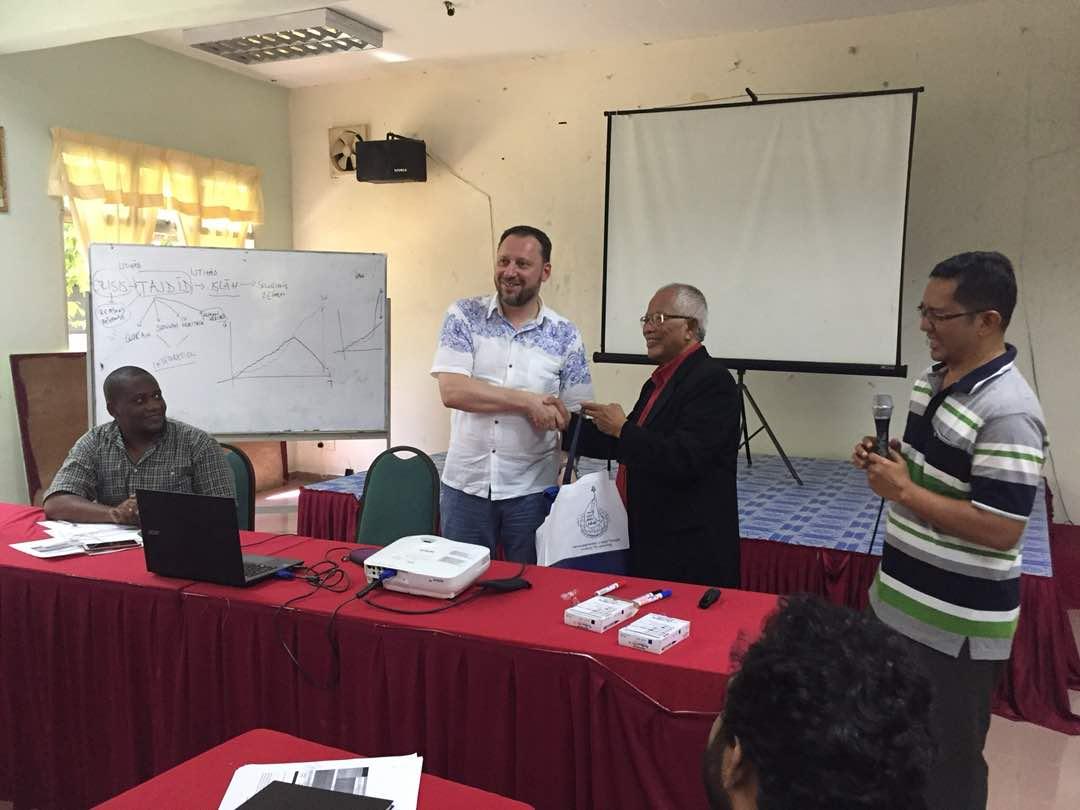 IIIT Director of Research Visits IIUM