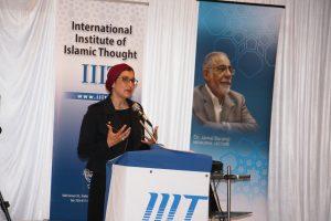 د. بسمة عبد الغفار تتحدث في إفطار المعهد العالمي للفكر الإسلامي
