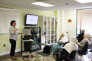 أعضاء من المعهد في زيارة لمركز آدمز:تطبيق النظرية من فصل دراسي إلى آخر